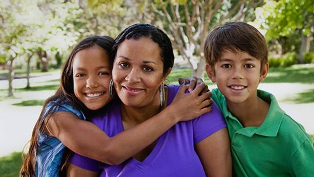 Madres solteras con dos hijos serán familia numerosa