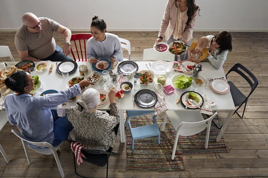 Cena y familia: dos necesidades que se han vuelto un lujo