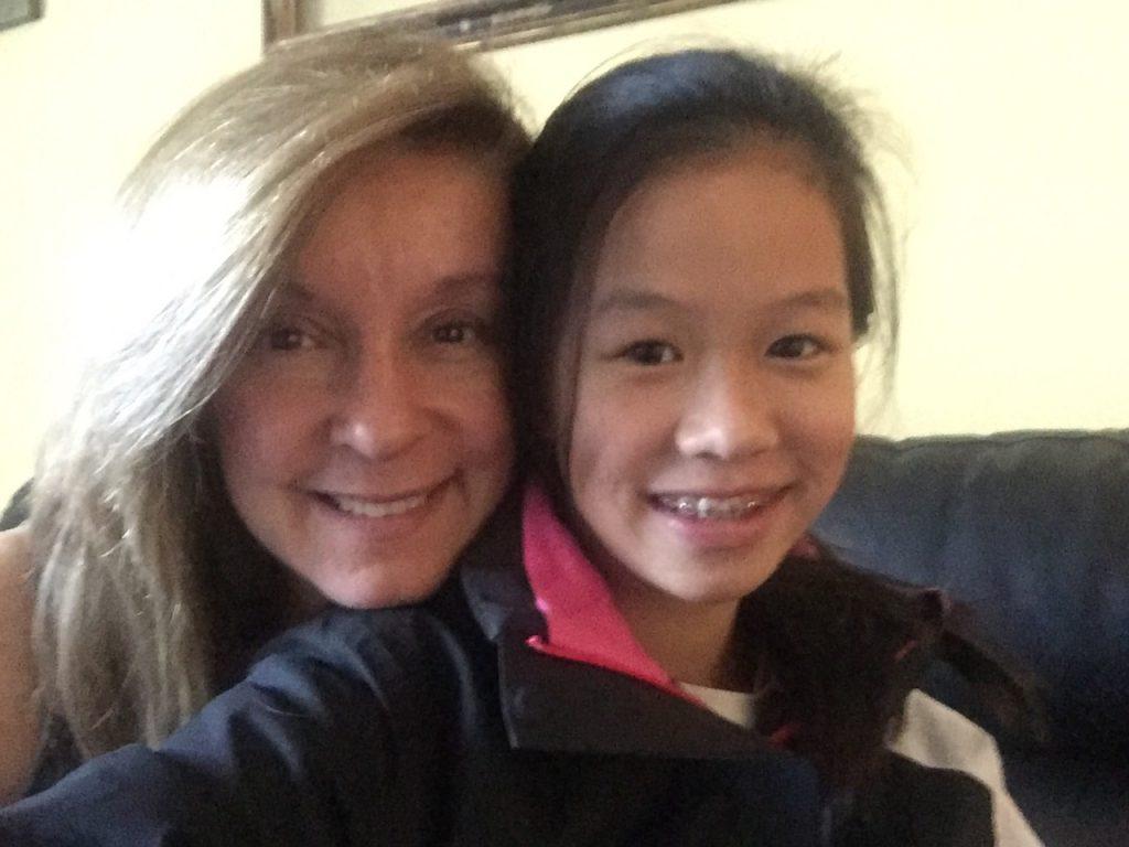 """Noemi Tovar, madre por adopción y escritora. Su libro, """"La mirada de Silvia jie"""""""