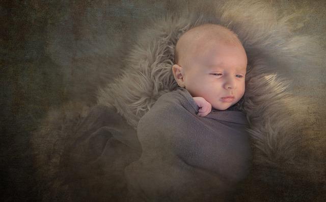 Prestación de mil euros por nacimiento o adopción en monoparentales