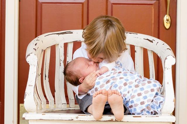Foto pisaba.com Las familias monoparentales con dos hijos sufren una fuerte discriminación frente a las familias clásicas con tres y viudas con dos hijos. Las segundas son consideradas familias numerosas y las primeras no.
