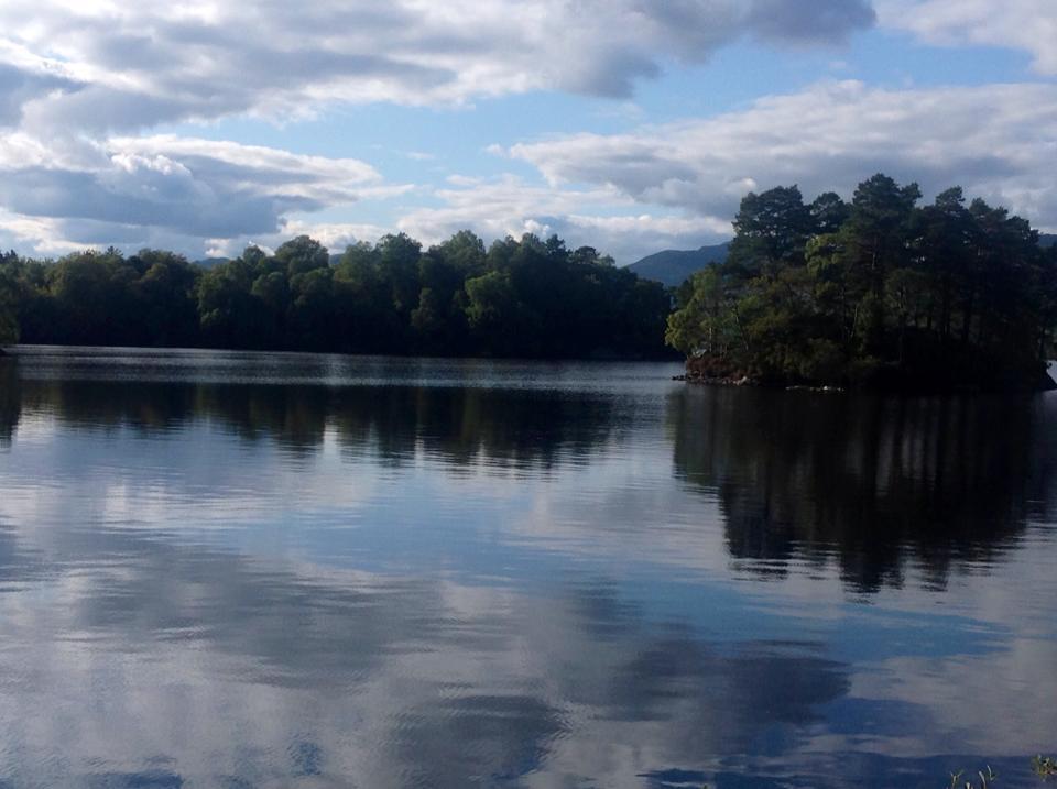 Lago Katrina en Escocia