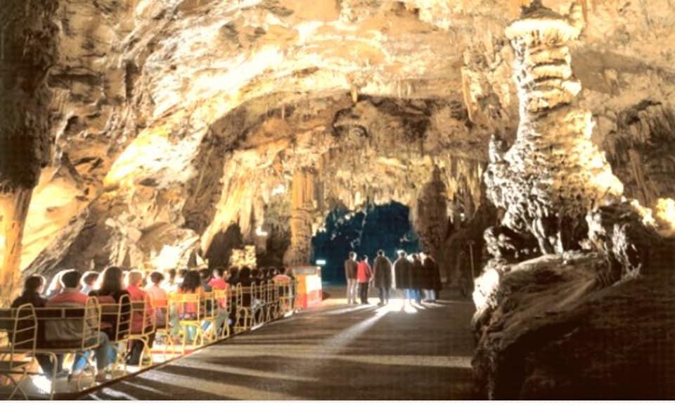 Eslovenia. Cuevas de Postonia
