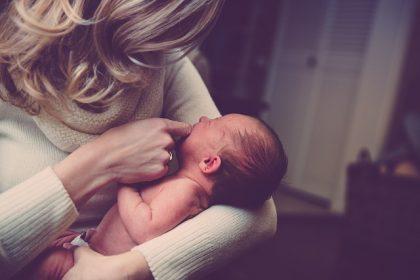 Cómo reclamar la prestación por maternidad