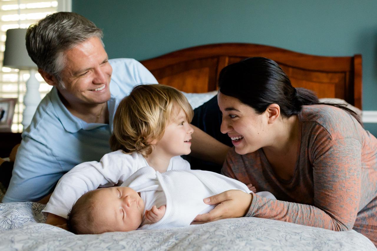 117786cc9 Listado de ayudas familiares por tener un hijo y para madres solteras
