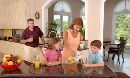 Ayudas familias monoparentales. Discriminación bono social
