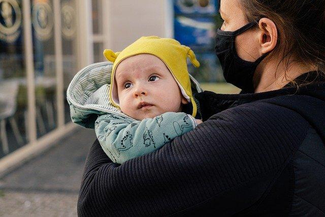 Ser madre soltera sin bono social