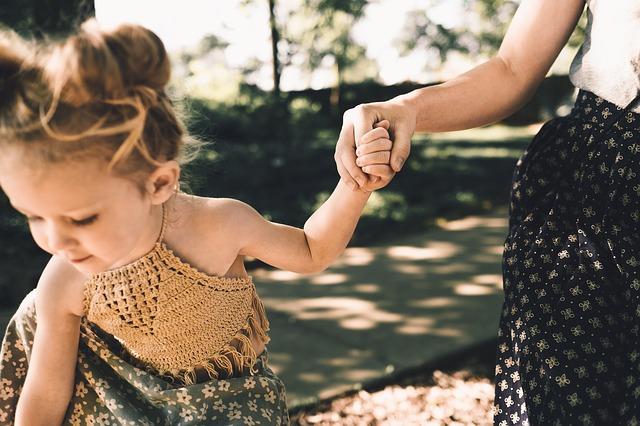 Ser madre soltera: complemento de maternidad en pensiones